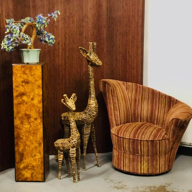 Mid-Century Modern Drexel-Heritage Burlwood Pedestal Display Stand For Sale - Image 3 of 8