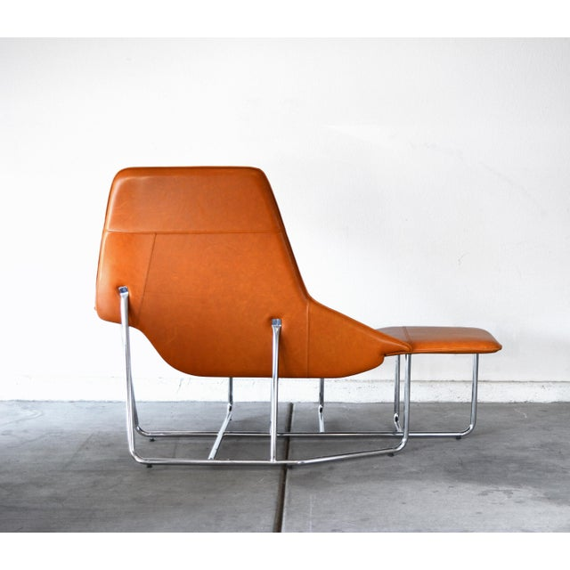 Contemporary Modern Leather and Chrome Chaise Lounge Chair by Mark David Design For Sale - Image 3 of 13