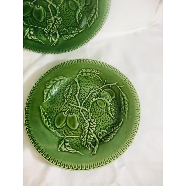 Ceramic Bordallo Pinherio Fruit Pattern Salad Plates - Set of 4 For Sale - Image 7 of 8