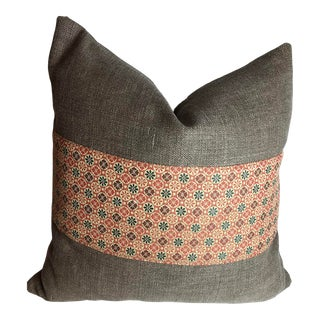 Holly Hunt Heavy Linen Pillow With 90/10 Down Insert For Sale