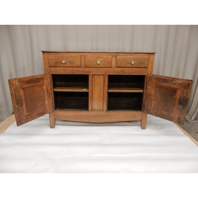 Narrow French Provincial Walnut Buffet For Sale In New Orleans - Image 6 of 9
