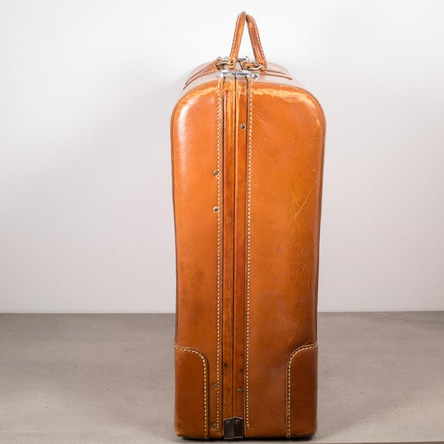"Mid 20th Century Vintage ""The Colonel"" Leather Luggage C.1950-1960 For Sale - Image 5 of 13"