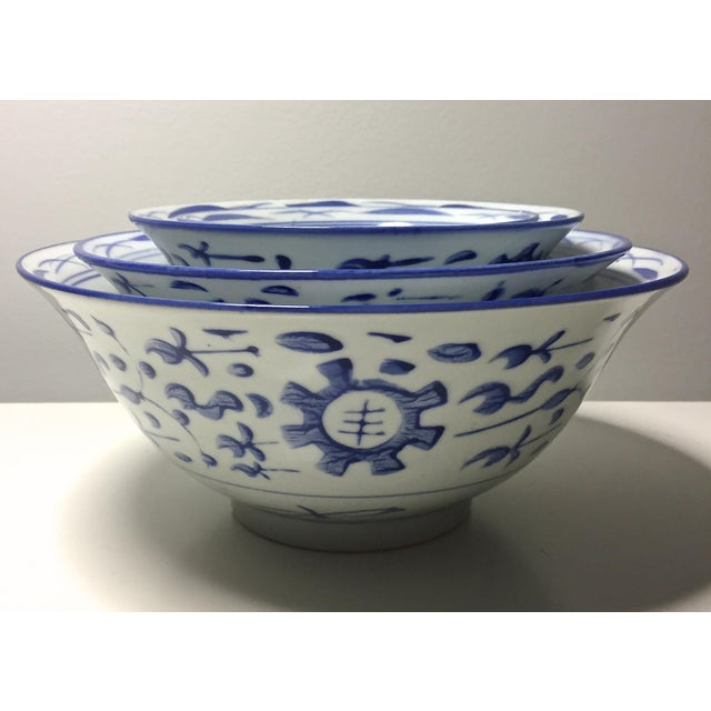 4 Vintage Chinese Blue & White Nesting Bowls - Image 2 of 7
