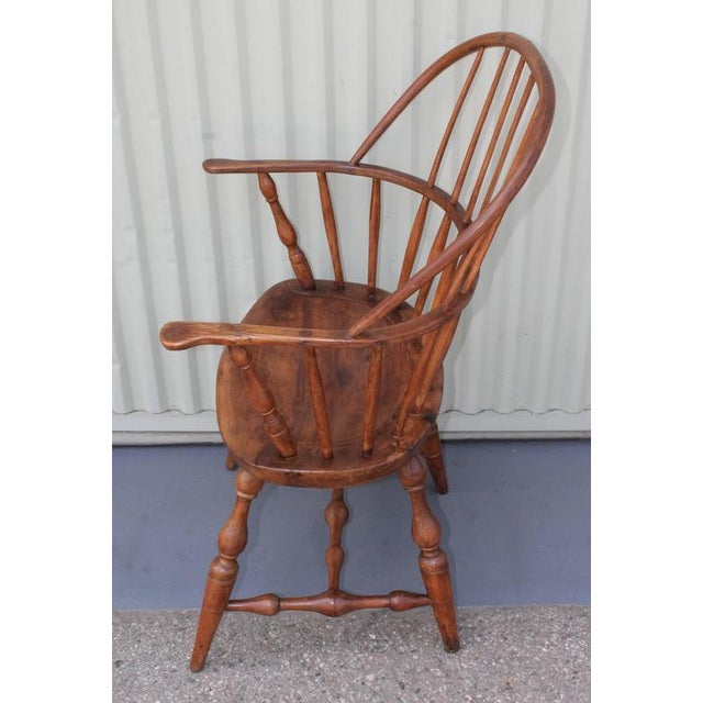 18th Century Sack Back Extended Arm Windsor Chair - Image 3 of 9
