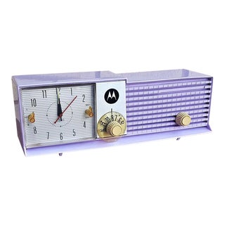 Mid-Century Lavender Light Purple 1957 Motorola Radio