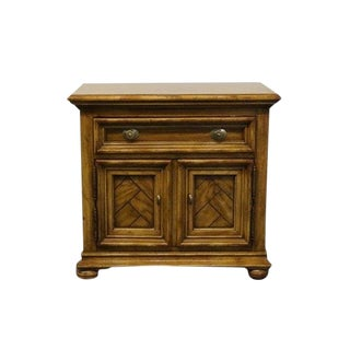 20th Century Traditional Drexel Heritage Chartwell Collection Cabinet Commode Nightstand For Sale