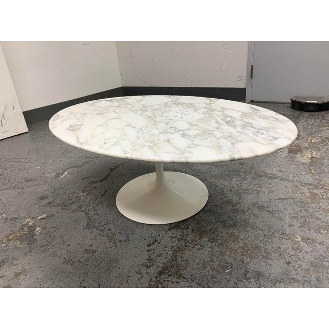 Mid-Century Modern Knoll Eero Saarinen Marble Low Oval Coffee Table For Sale - Image 3 of 9