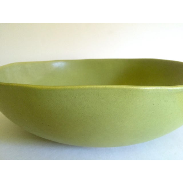 2000 - 2009 Alex Marshall Studios Pottery Vintage Organic Modernist Extra Large Chartreuse Ceramic Serving Bowl For Sale - Image 5 of 13