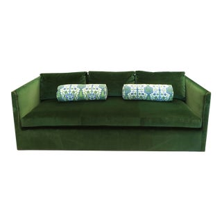 Keeneth Ludwig Chicago Highland House Emerald Green Velvet Sofa For Sale