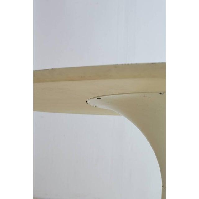 Contemporary Eero Saarinen Oval Tulip Table For Sale - Image 4 of 13