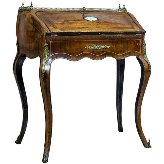 Louis XV Ladies Writing Desk from the 18th Century For Sale - Image 13 of 13