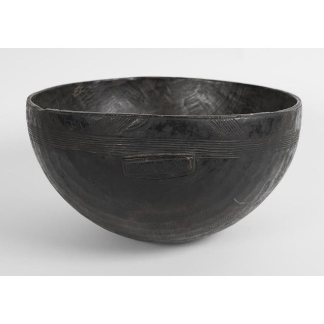 A 19th Century Carved Wood Food Bowl From Chad For Sale - Image 4 of 9