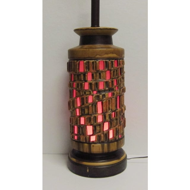 Vintage 1960s Ceramic Table Lamp - A Pair - Image 6 of 6