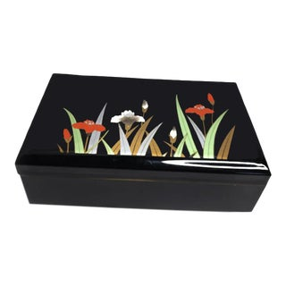 Vintage Japanese Black Lacquered Floral Motif Musical Jewelry Box For Sale