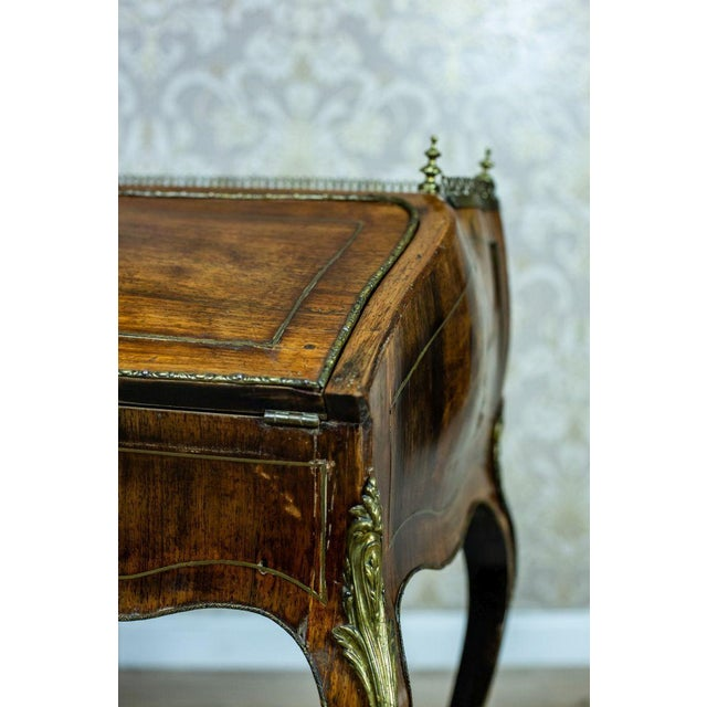 Louis XV Ladies Writing Desk from the 18th Century For Sale - Image 11 of 13