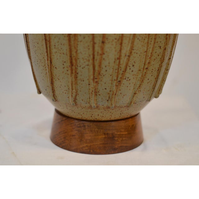 Brown David Cressey Mid Century Ceramic Pottery Lamp For Sale - Image 8 of 12