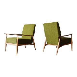 Pair of Paul McCobb Lounge Chairs. For Sale