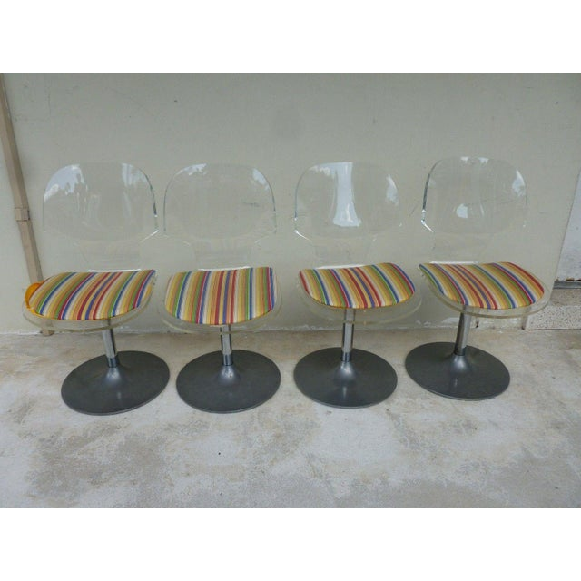 Chrome Set of 4 Space Age Mod 70's Lucite and Aluminum Swivel Chairs For Sale - Image 8 of 8