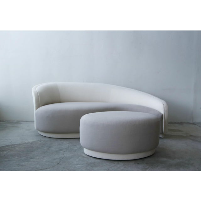 Petite Curved Sofa & Ottoman by Vladimir Kagan for Weiman For Sale - Image 10 of 10