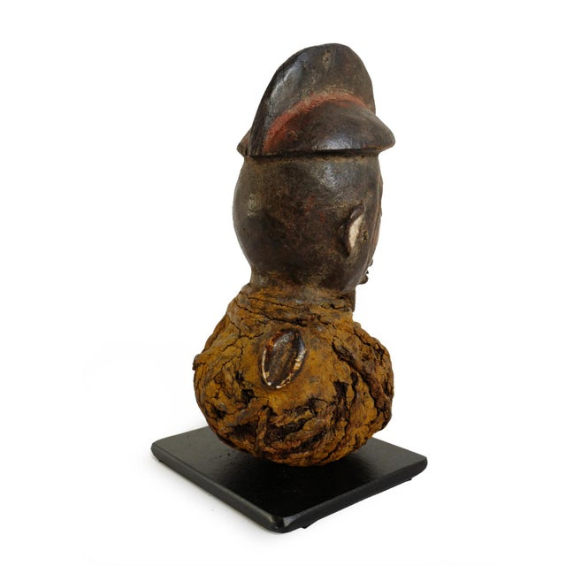 Late 19th Century Yaka Mbwoolo Fetish Head For Sale - Image 5 of 7