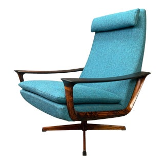 Vintage Scandinavian Mid Century Modern Rosewood Lounge Chair by Johannes Andersen for Trensum For Sale