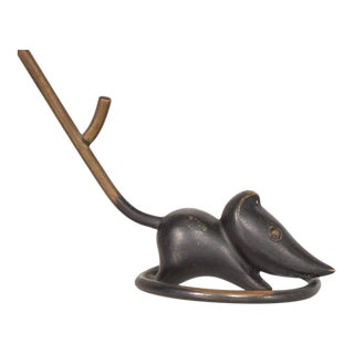 Austrian Bronze Mouse Ring Holder Paperweight by Richard Rohac, 1940s For Sale