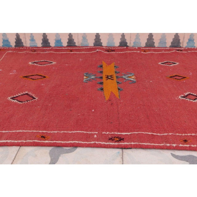 """Boho Chic Vintage Aknif Moroccan Rug - 1'11"""" x 3'3"""" For Sale - Image 3 of 4"""