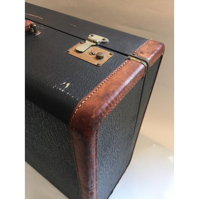 Vintage Suitcase with Burgundy Interior - Image 4 of 5