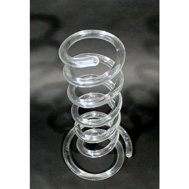 Dorothy Thorpe Mid Century Modern Dorothy Thorpe Lucite Spiral Umbrella Holder Stand 1970s For Sale - Image 4 of 7