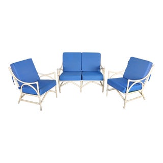 Outdoor French Vintage Whitewashed Rattan Two-Seater Sofa and Two Armchairs with Blue Cushions - Set of 3 For Sale