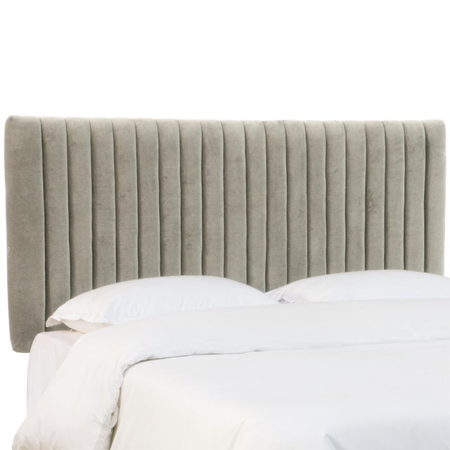 Twin Channel Bed in Velvet Light Grey For Sale - Image 4 of 7
