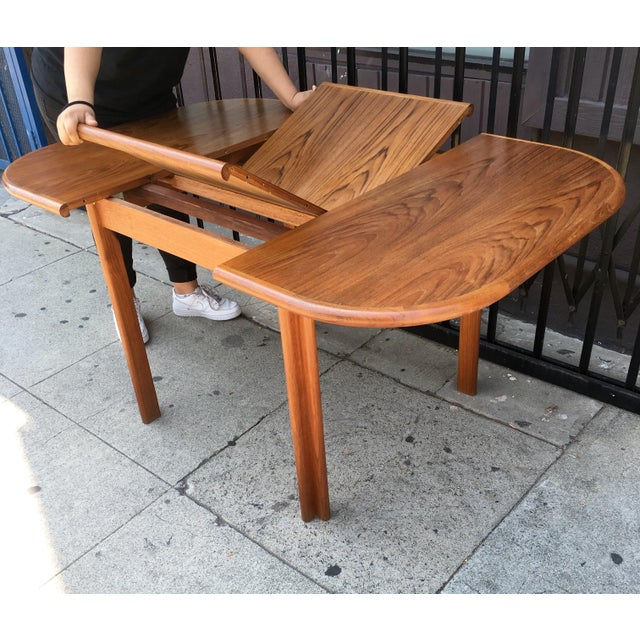 Dscan Expanding Teak Table - Image 8 of 11