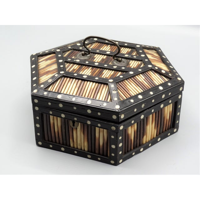 British Colonial Antique Porcupine Quill Hexagonal Box For Sale - Image 3 of 7