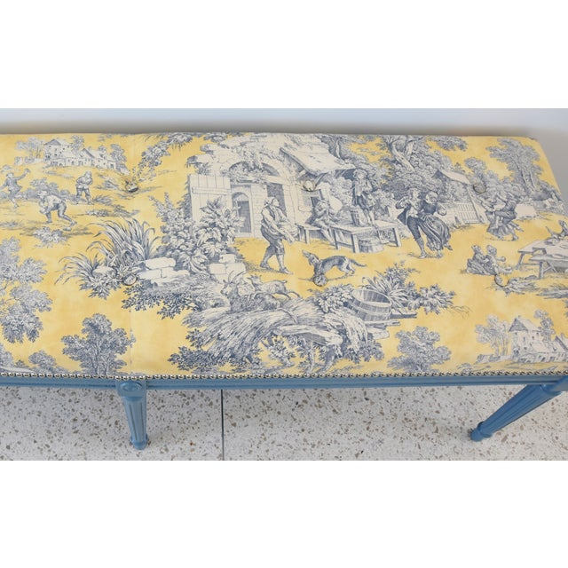 White French-Style Yellow, White & Blue-Gray Toile Bench For Sale - Image 8 of 13