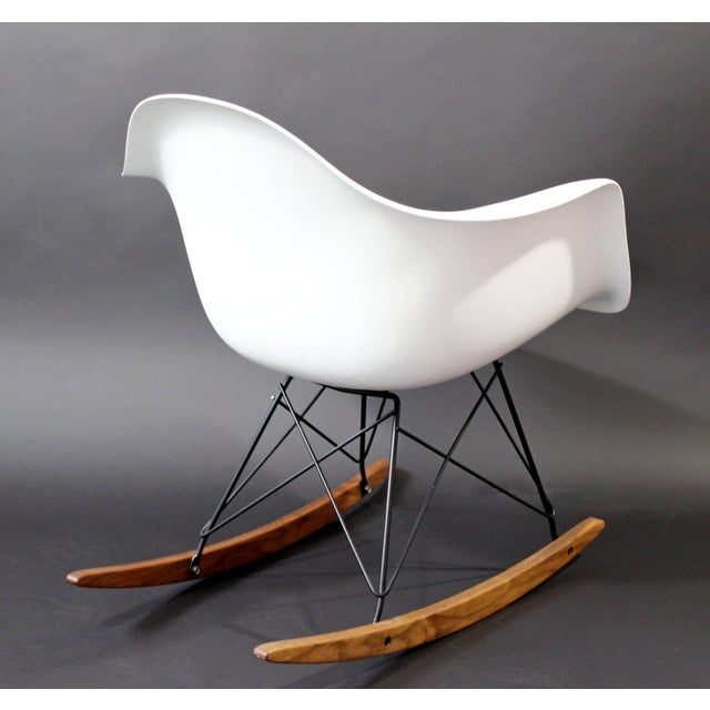 1970s Mid-Century Modern Vintage Eames Herman Miller Shell Rocker Rocking Chair, 1970s For Sale - Image 5 of 11