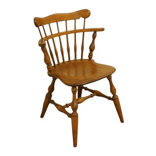 Late 20th Century Ethan Allen Heirloom Nutmeg Maple Colonial Style Comb Back Accent Chair For Sale