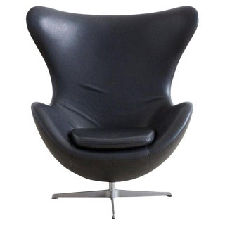 Arne Jacobsen for Fritz Hansen Black Egg Chair For Sale