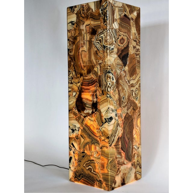 Brown 1970s Muller of Mexico Modern Lighted Onyx Pedestal For Sale - Image 8 of 11