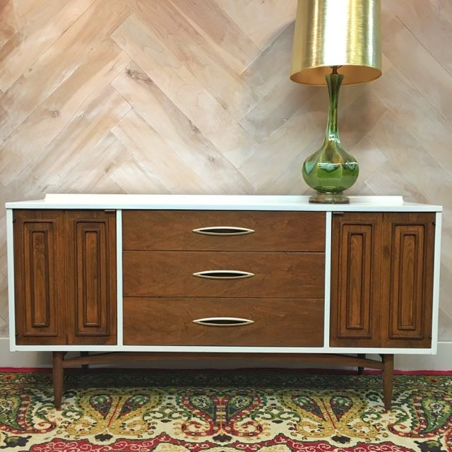 Mid-Century Broyhill Sculptra Buffet / Credenza - Image 3 of 7