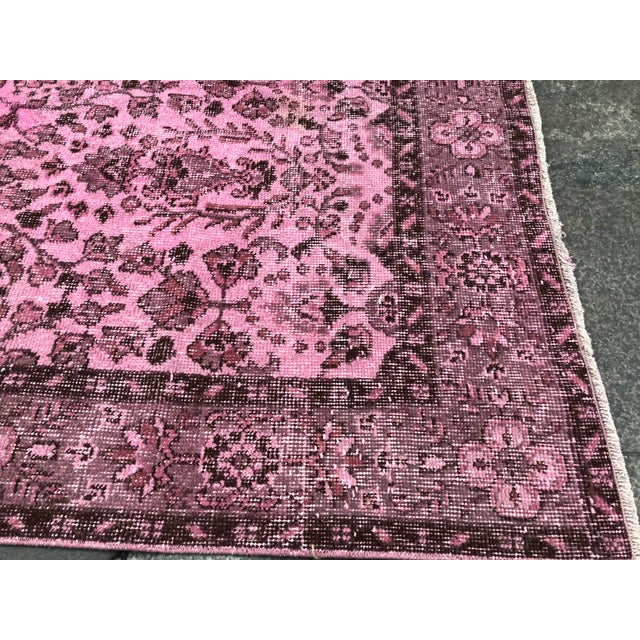 1960s Vintage Turkish Hand-Knotted Rug - 4′8″ × 8′3″ For Sale - Image 9 of 11