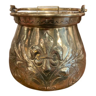 Late 17th Century French Louis XIV Brass Cauldron With Fleur De Lys and Crest For Sale