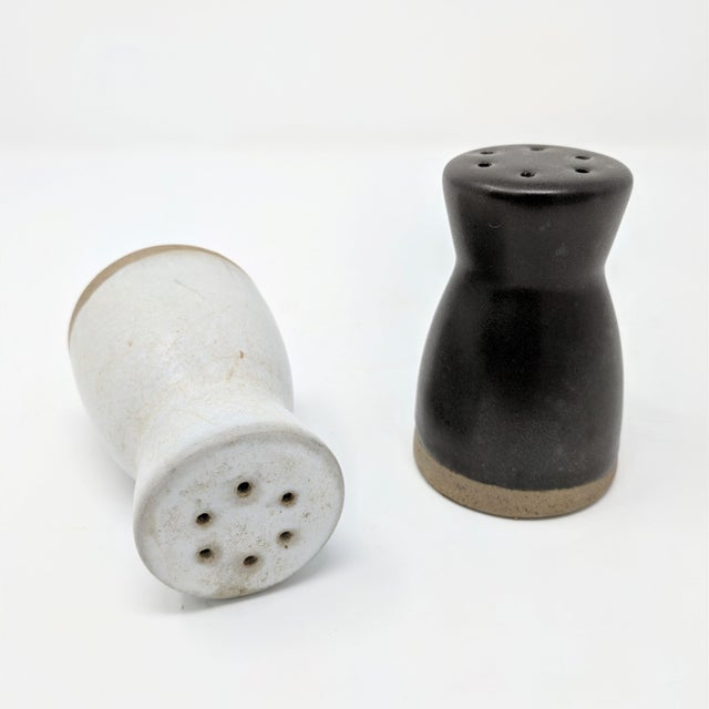 Mid 20th Century Vintage Salt and Pepper Shakers by Gordon & Jane Martz for Marshall Studios - a Pair For Sale - Image 5 of 7