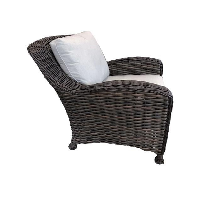The beauty of Dreux is that it captures both the elegance and design of modern-dau outdoor furniture. Featuring carefully...