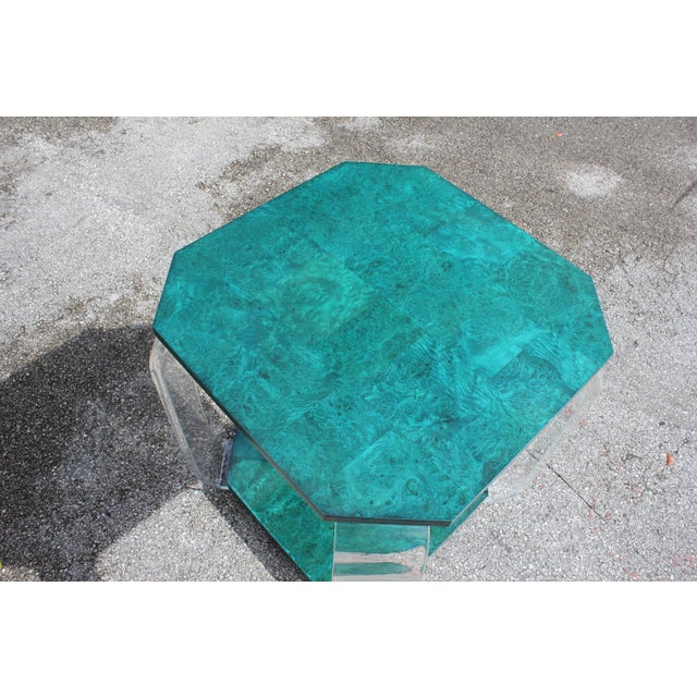 Art Deco 1970s Mid-Century Modern Green Emerald Burwood and Lucite Accent Table For Sale - Image 3 of 13