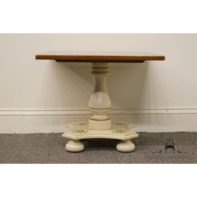 """Ethan Allen Hitchcock Style White Stenciled 20"""" End / Accent Table For Sale In Kansas City - Image 6 of 13"""
