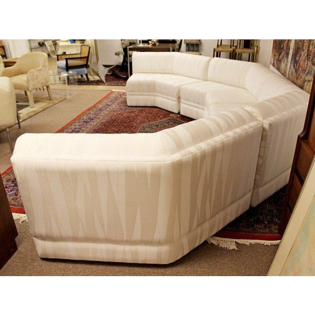 1970s Mid-Century Modern Four-Piece White Octagon Sectional Sofa Baughman, 1970s For Sale - Image 5 of 13