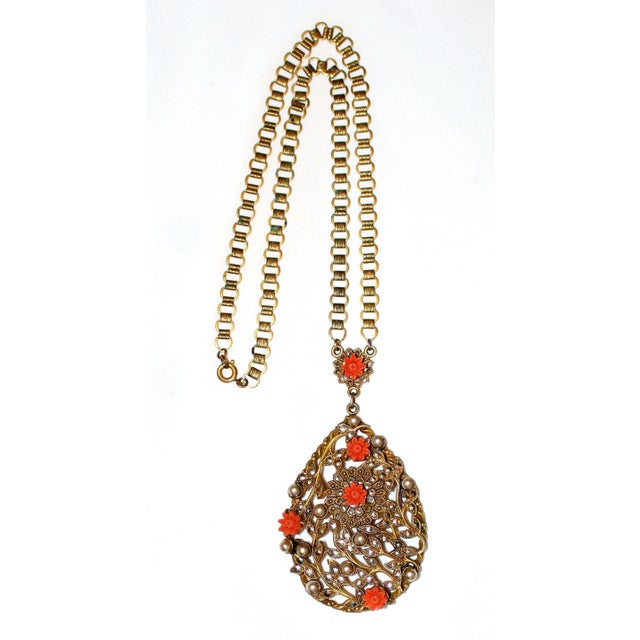 Traditional 1930 Book-Chain Necklace With Jeweled Pendant For Sale - Image 3 of 5