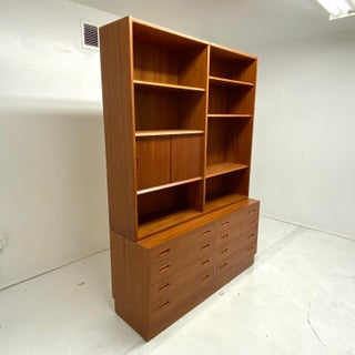 1970's Danish Modern Bookshelf Preview
