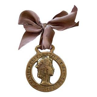 1977 Queen Elizabeth Silver Jubilee Horse Brass Ornament For Sale