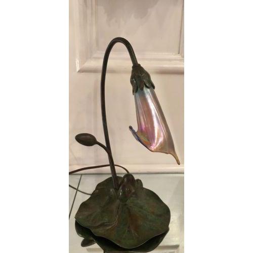 Lundberg Studios American Deluxe Bronze Art Nouveau Lily Lamp - Image 4 of 5